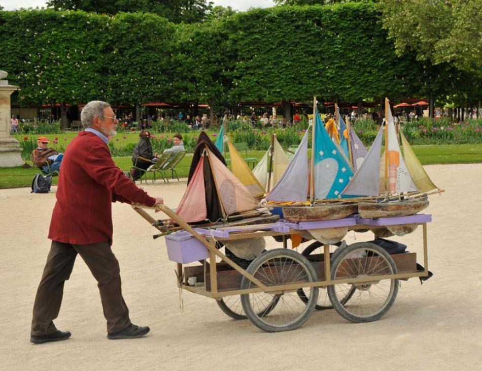Paris Boats Jardin des Tuileries
