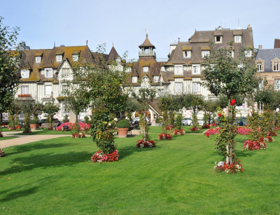 Deauville Normandy Barriere Hotel Gardens