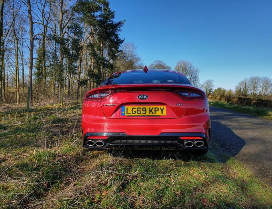 Kia Stinger 3.3 V6 GT-S - Kia's Wild Child