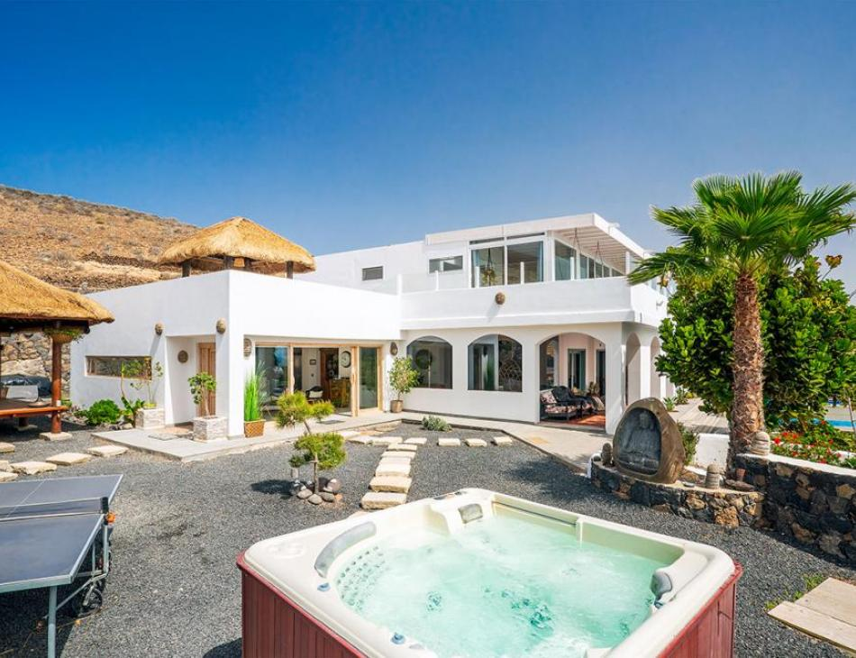 Lanzarote Retreats Gift Available Accommodation Free to Families Stranded by Thomas Cook Collapse