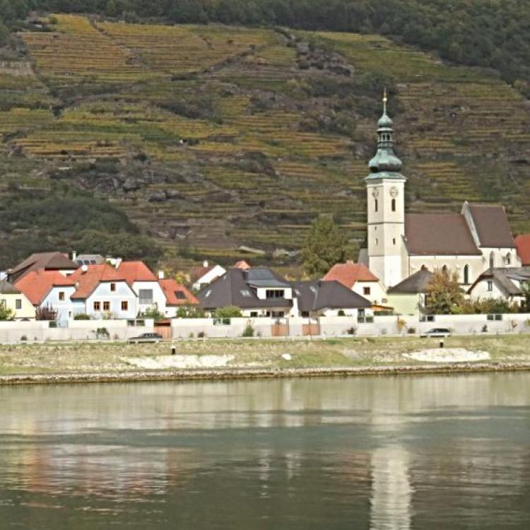 Following the Danube in the Wachau Valley